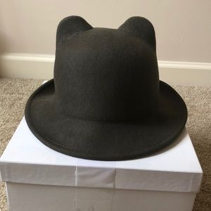 Accessories - Fall/winter Hat